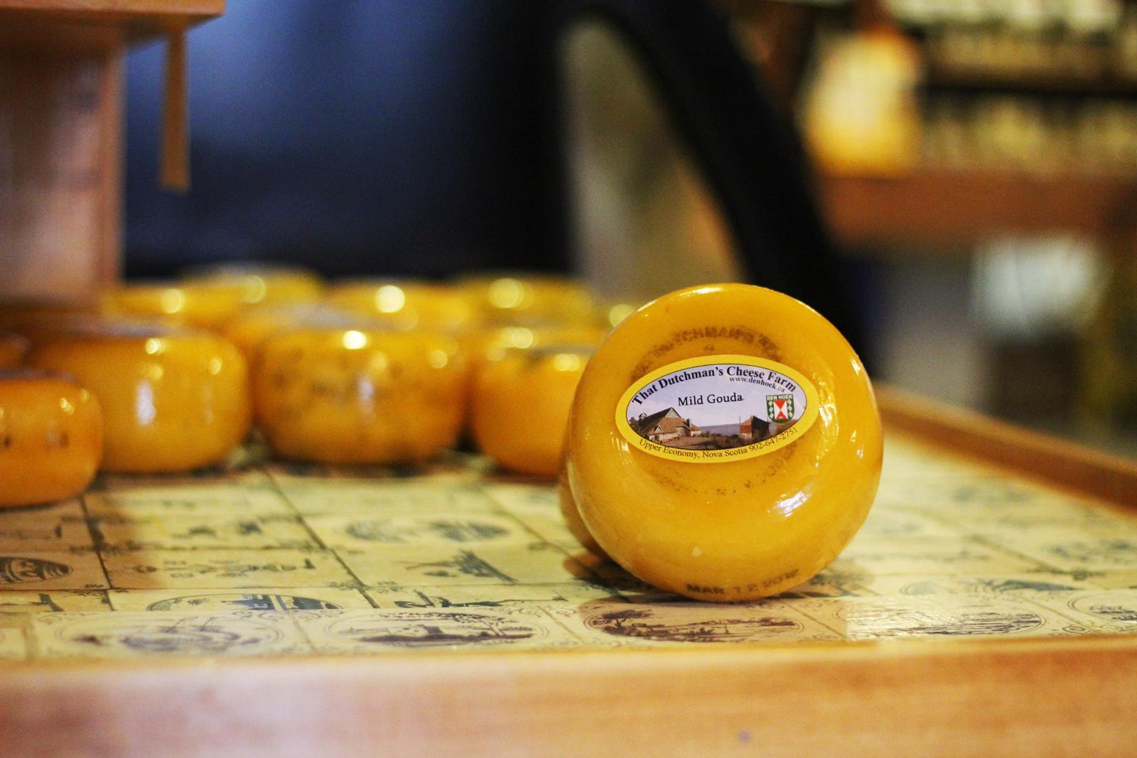 That Dutchman's Cheese Farm – Baby Gouda Wheel
