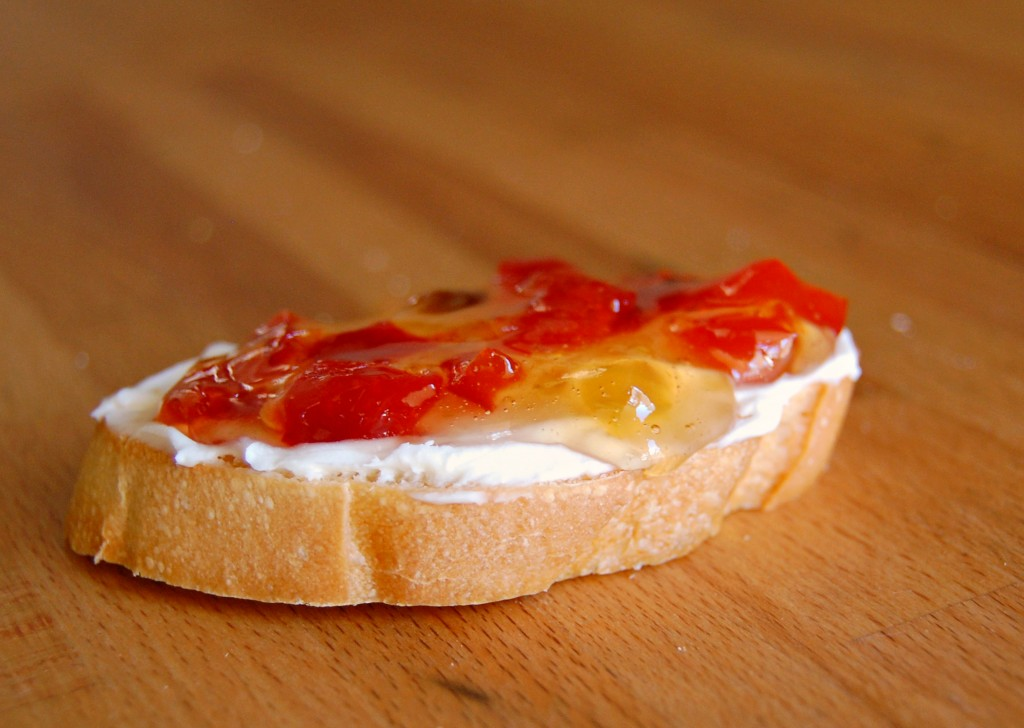 bruschetta-red-pepper-jelly-9829